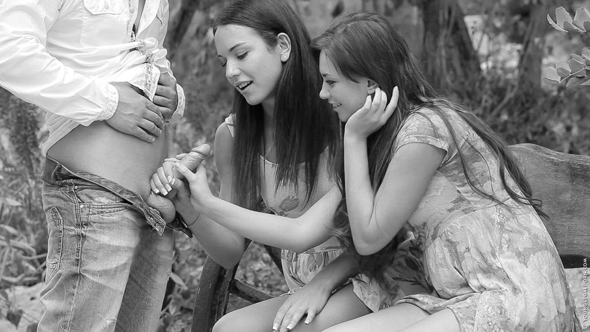 trekant med två tjejer